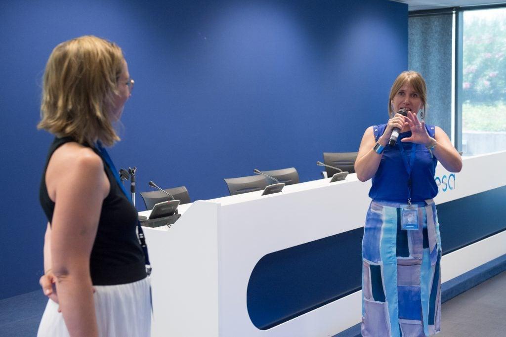 Yucoach con su CEO Mayte Tortora y su directora de clientes Marga serrano, exponiendo en el evento de Generación SAVIA, Fundación Endesa